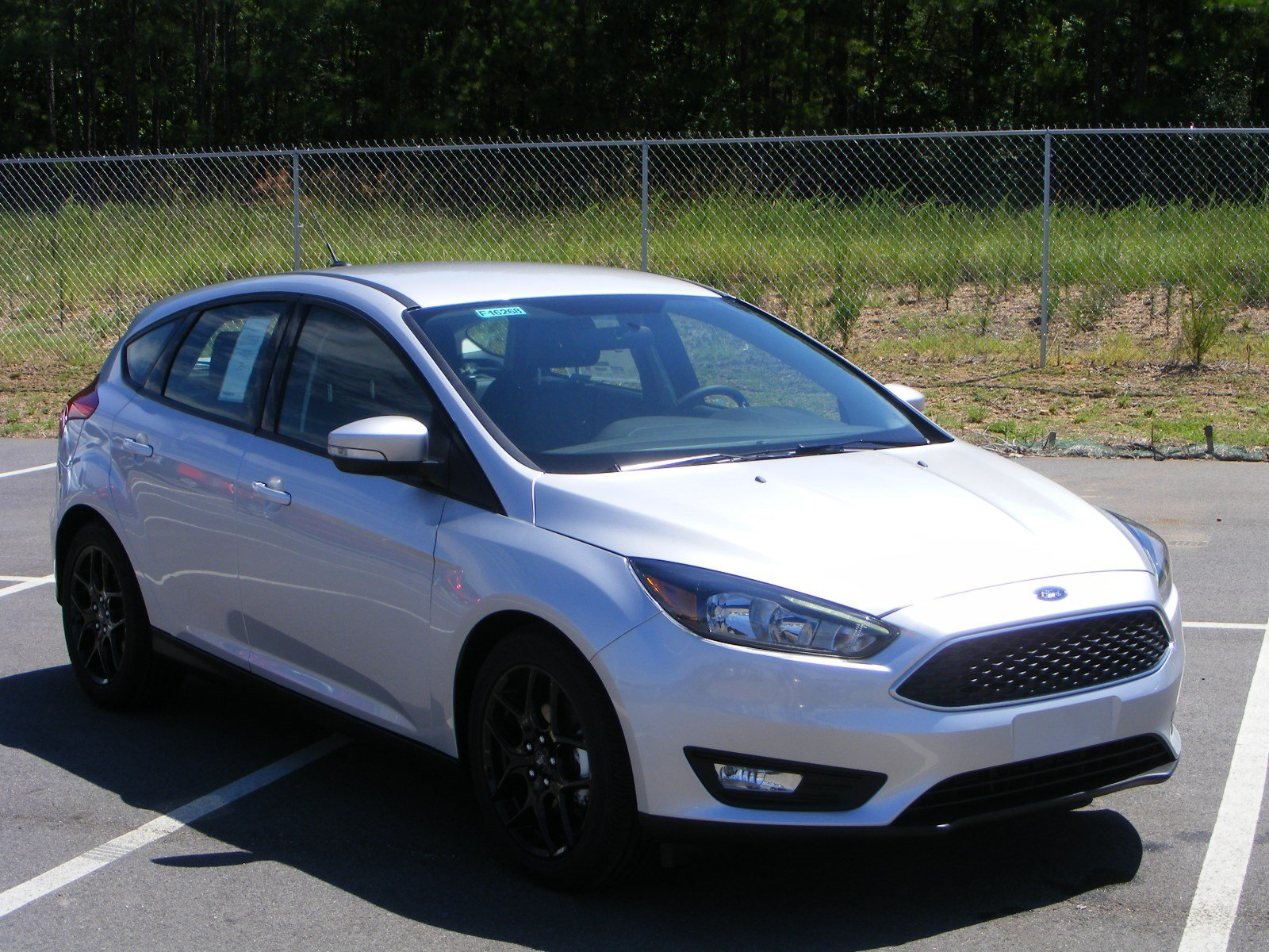 new 2016 ford focus se hatchback in milledgeville f16268 butler ford. Black Bedroom Furniture Sets. Home Design Ideas